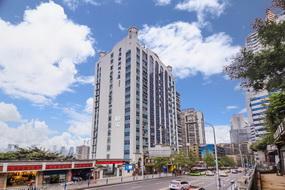 如家酒店·neo-重庆解放碑较场口地铁站店