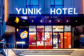 YUNIK-太原柳巷铜锣湾食品街店